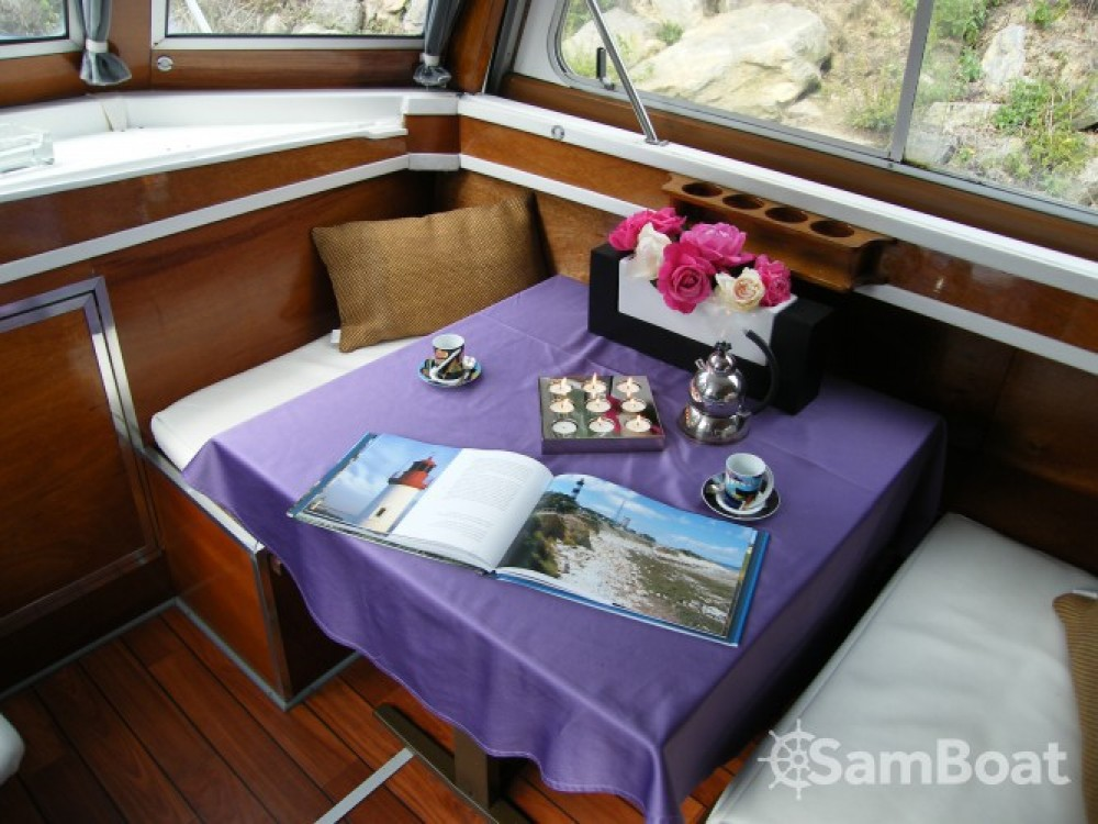 Hire Houseboat with or without skipper Tuckermann Messac