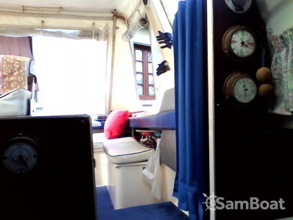 Boat rental La Trinité-sur-Mer cheap Guepard
