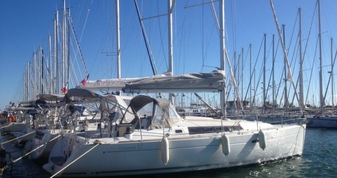 Location bateau Toulon pas cher Oceanis 37