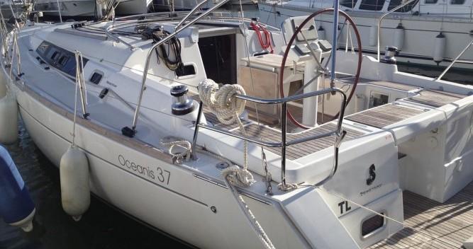 Louez un Bénéteau Oceanis 37 à Toulon