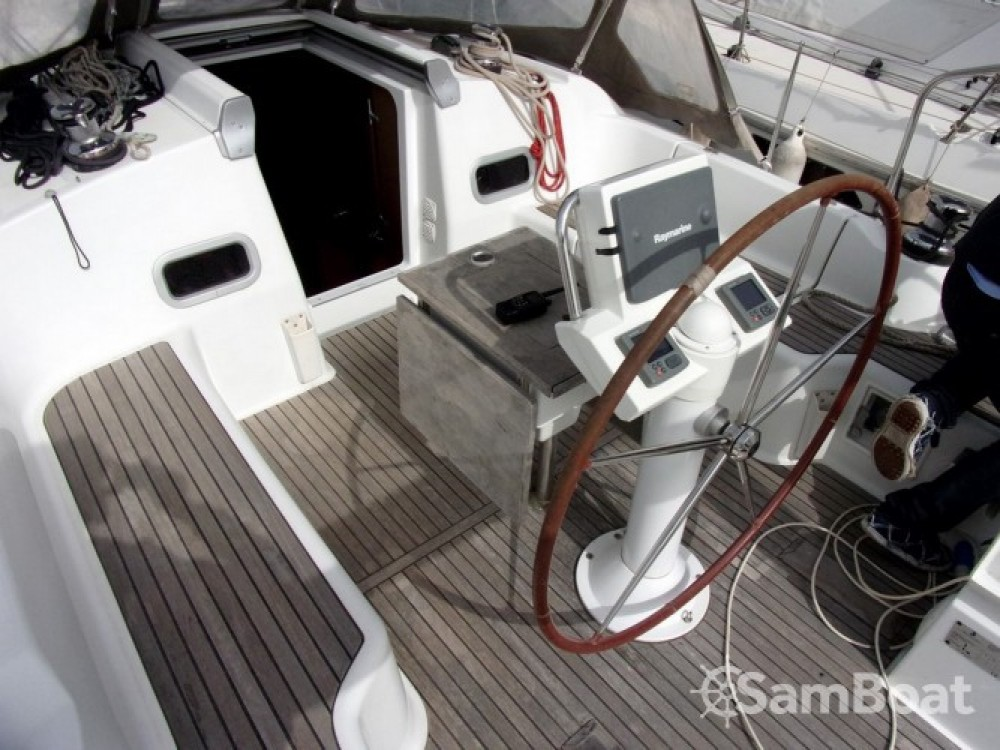 Segelboot mieten in Toulon - Bénéteau Oceanis 37