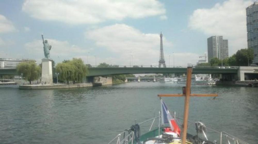 Ein Valkkruiser 11m mieten in Paris