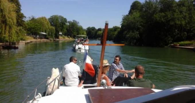 Alquiler de barcos París barato de 11m