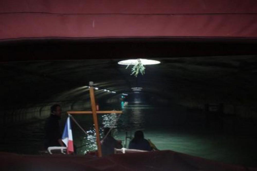 Huur Motorboot met of zonder schipper Valkkruiser in Parijs