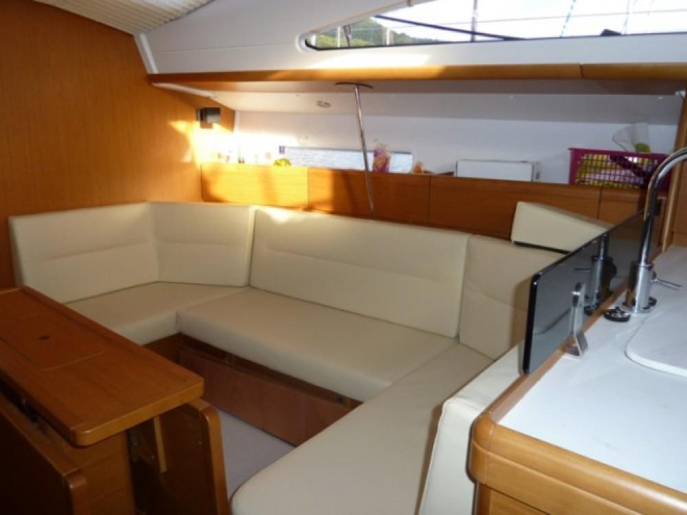 Bootsverleih Jeanneau Sun Odyssey 42 DS Le Marin Samboat