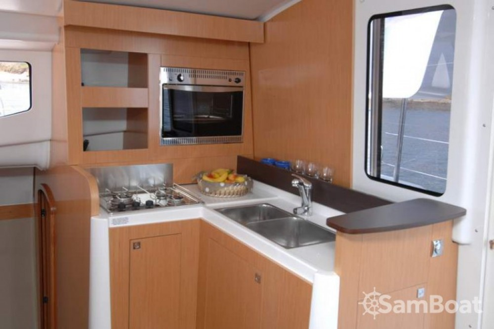Louez un Fountaine Pajot Mahe 36 Evolution à Martinique