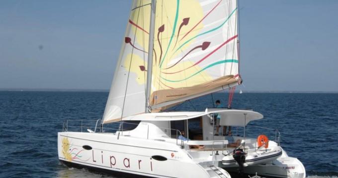 Location Catamaran à Le Marin - Fountaine Pajot Lipari 41