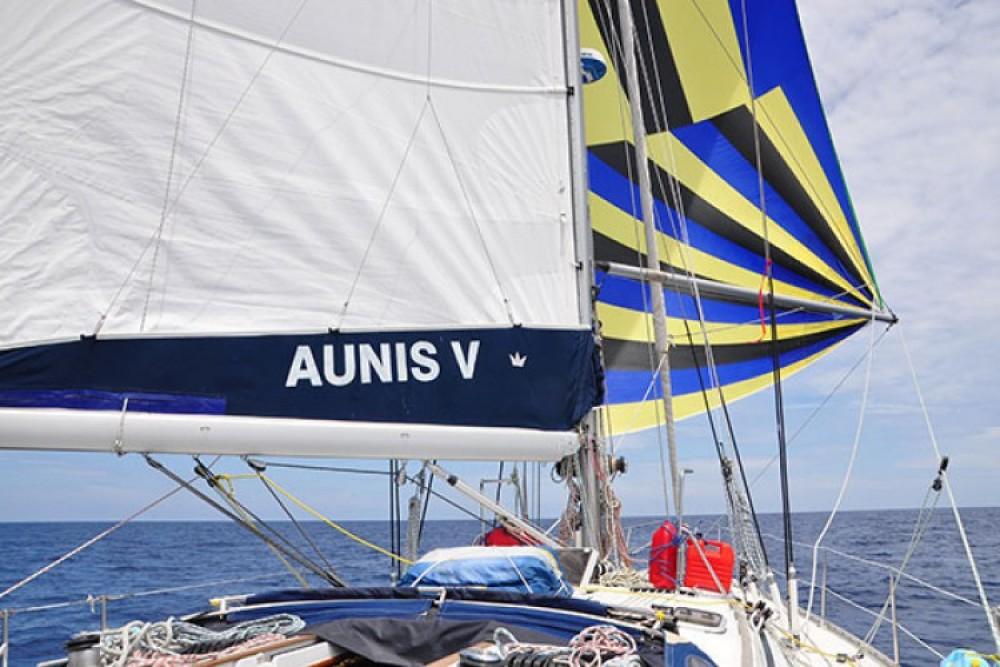 Jeanneau Sun Odyssey 45.2 zwischen Privatpersonen und professionellem Anbieter La Rochelle