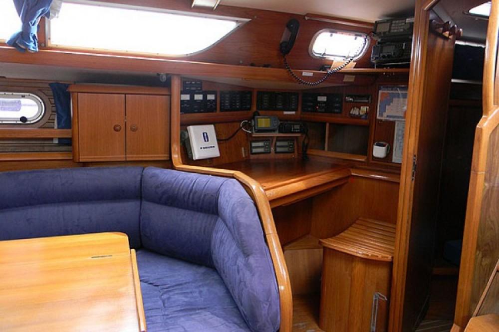 Jeanneau Sun Odyssey 45.2 between personal and professional La Rochelle