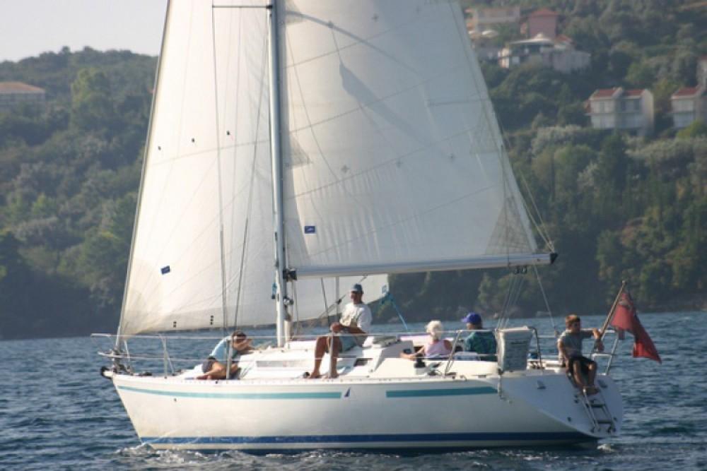 Segelboot mit oder ohne Skipper Bénéteau mieten in Flamanville