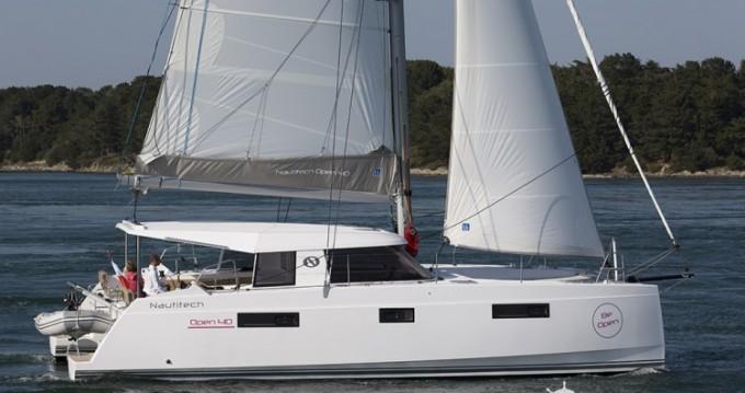 Location Catamaran à Le Marin - Nautitech Nautitech Open 40