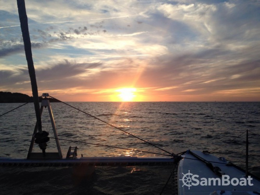 Louer Catamaran avec ou sans skipper Catana à La Rochelle