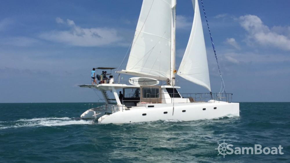 Catamaran-Jade One off 52' tra personale e professionale Galle
