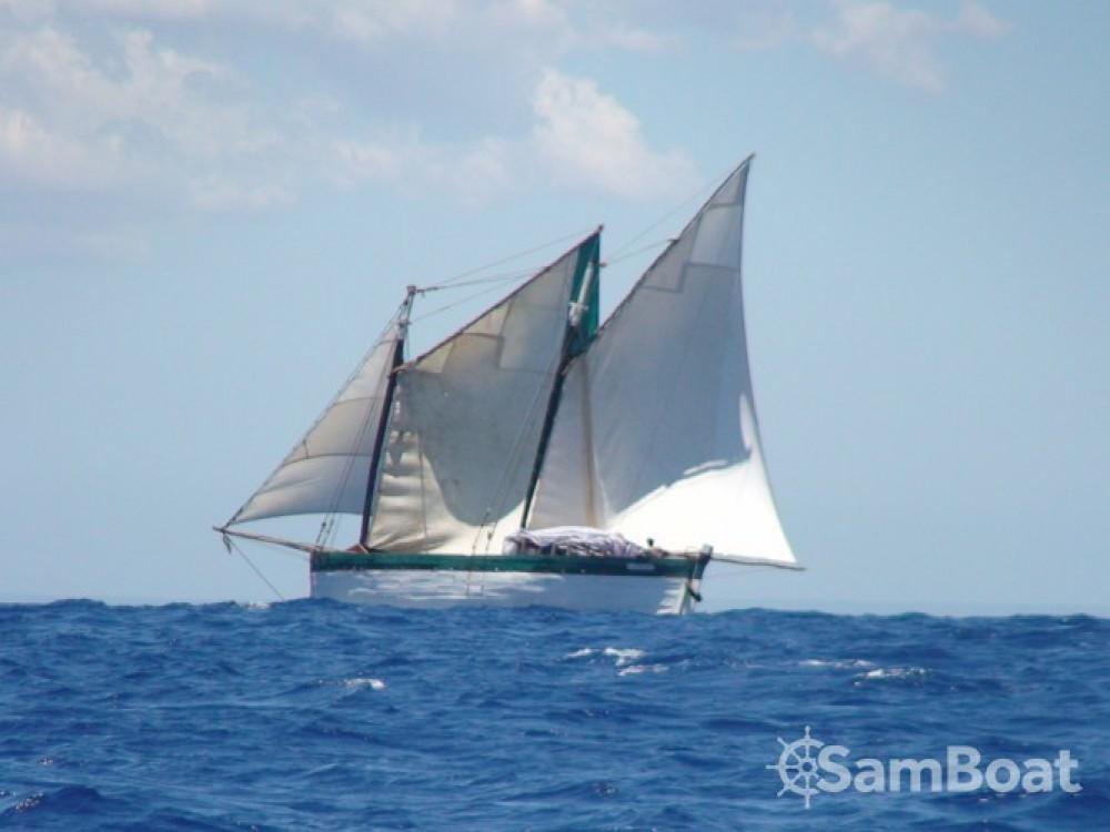 Location bateau Unique Goélette à Toliara sur Samboat