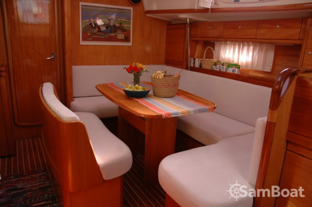 Boat rental Bavaria Bavaria 39 Cruiser in Olbia on Samboat