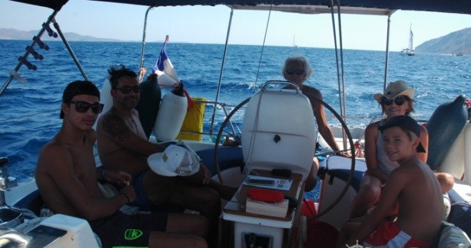 Hire Sailboat with or without skipper Bavaria Attica