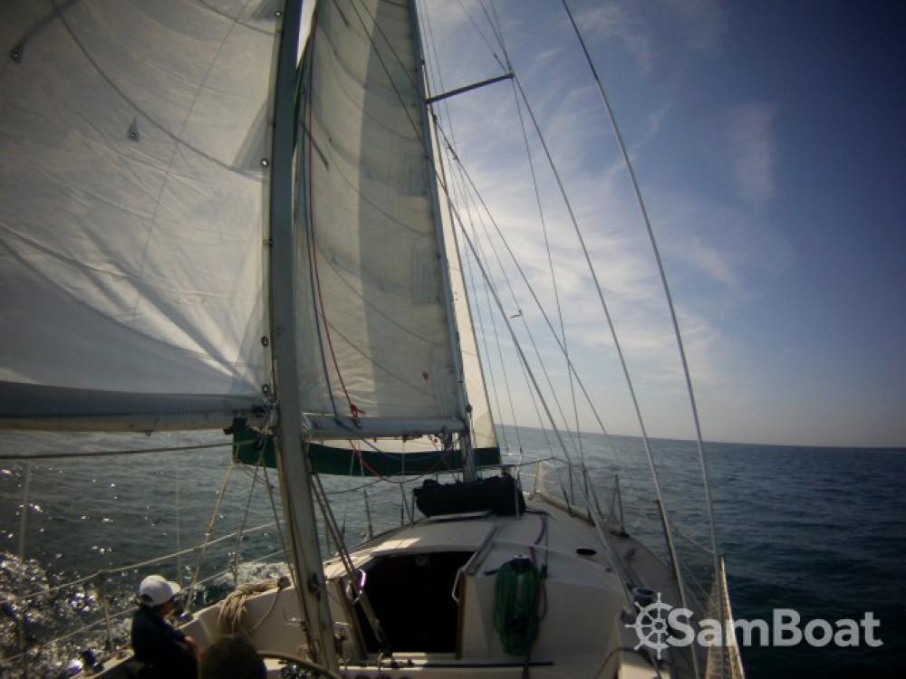 Louer Voilier avec ou sans skipper Jeanneau à Port des Sablons