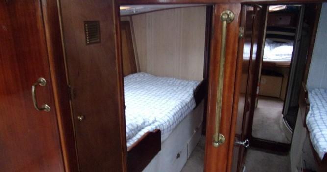 Location bateau Hyères pas cher Beaufort 16