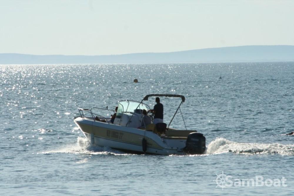Huur een Sessa Marine Key Largo 22 Deck in Agde