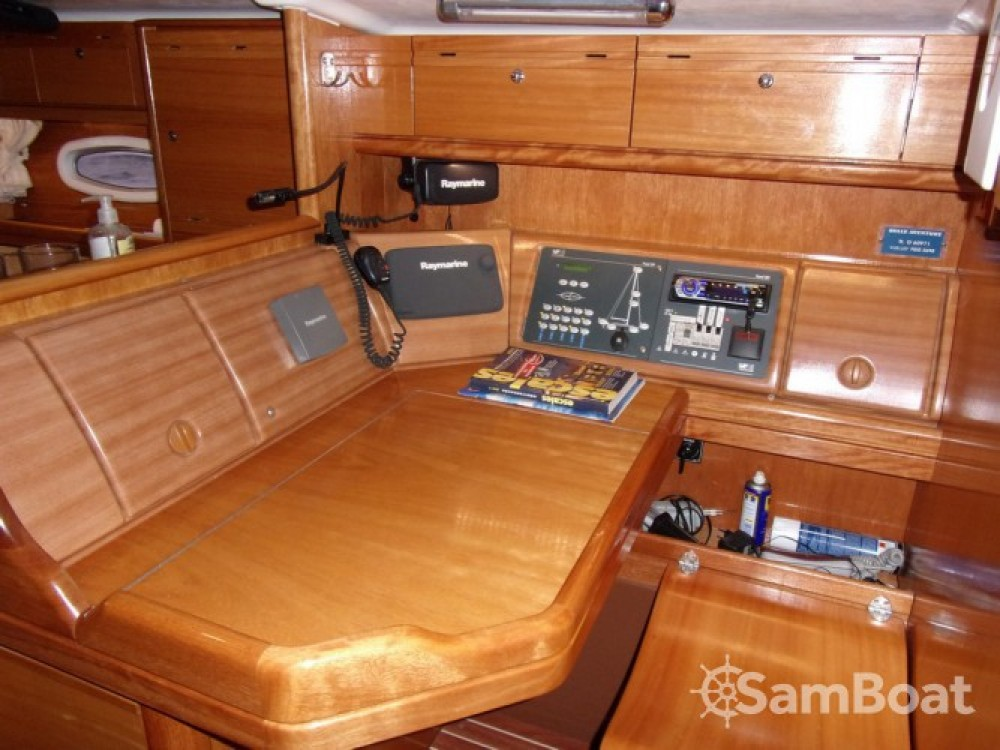 Alquiler de Bavaria Cruiser 50 en Tolón