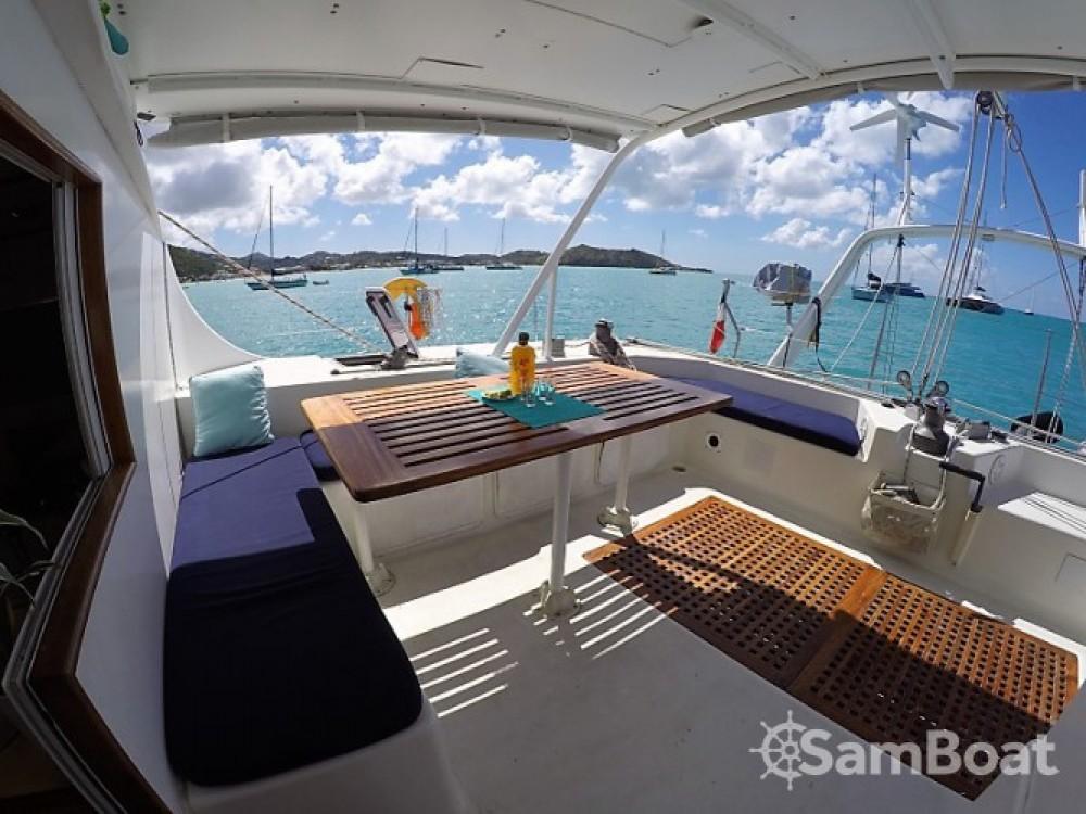 Boat rental Les Trois-Îlets cheap Switch 51