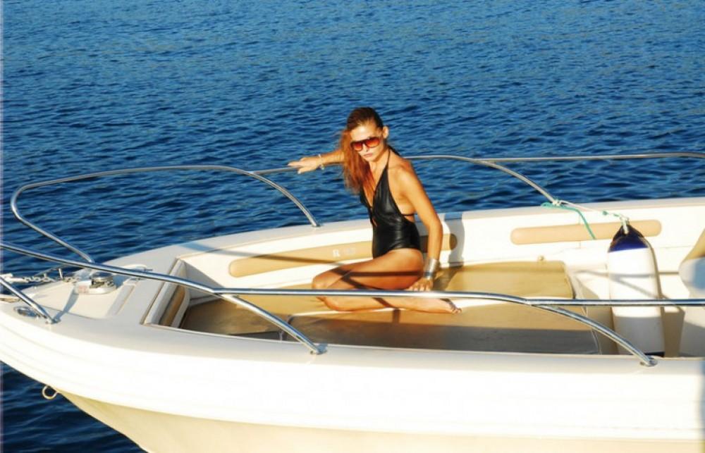 Louer Bateau à moteur avec ou sans skipper Ranieri à Nice