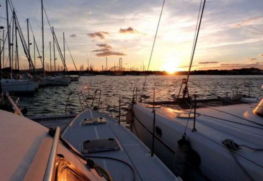 Location yacht à Agde - Alliaura Marine Privilege 37 sur SamBoat