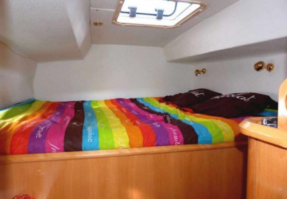 Alliaura Marine Privilege 37 zwischen Privatpersonen und professionellem Anbieter Agde