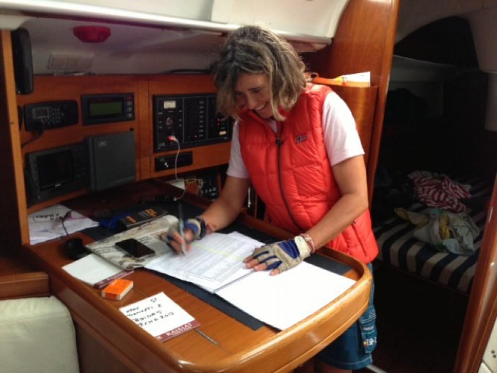 Bénéteau Oceanis 373 entre particuliers et professionnel à Fontarrabie