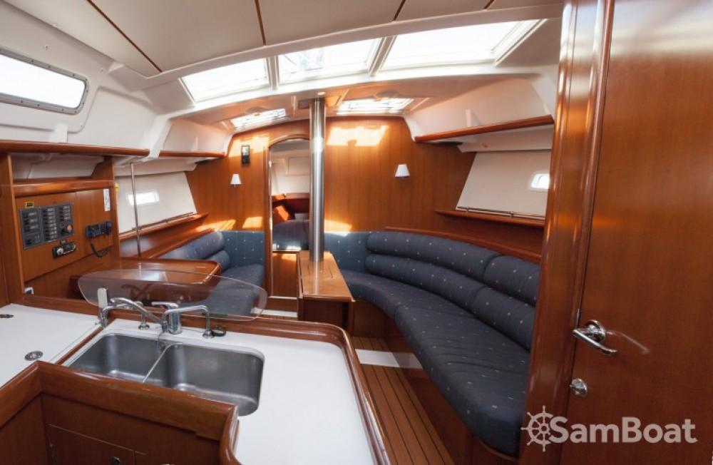 Location yacht à Fontarrabie - Bénéteau Oceanis 373 sur SamBoat