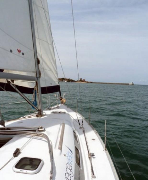 Location bateau Fontarrabie pas cher Oceanis 373