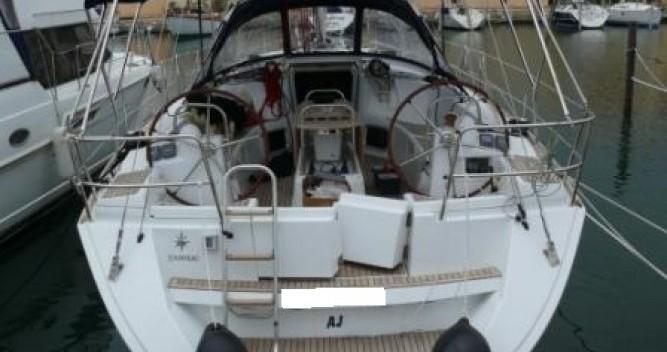Louer Voilier avec ou sans skipper Jeanneau à Hyères