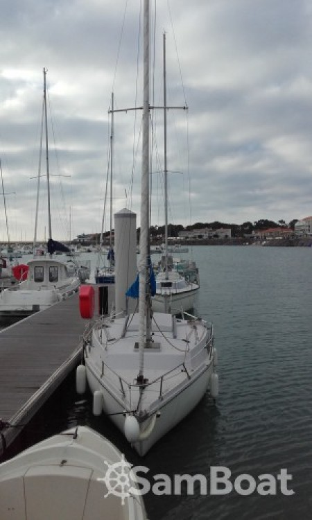 Sailboat for rent Jard-sur-Mer at the best price