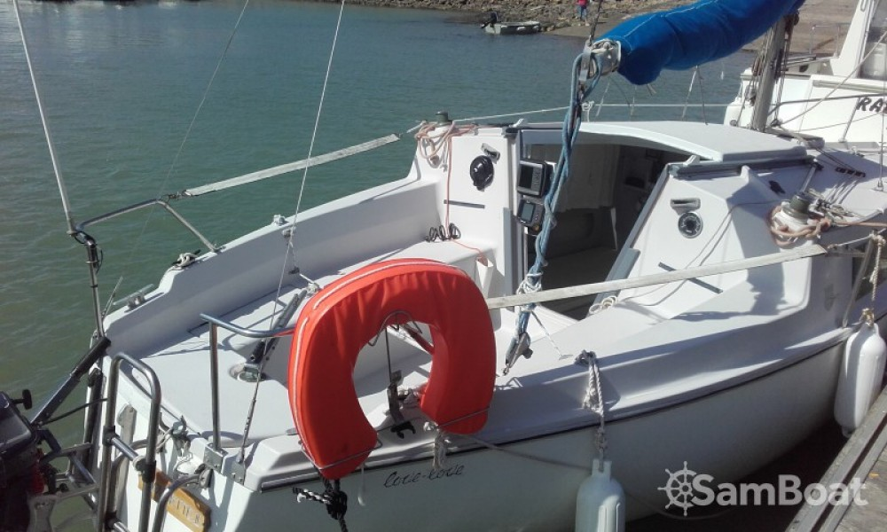Hire Sailboat with or without skipper Jeanneau Jard-sur-Mer