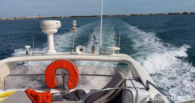 Location Bateau à moteur à Port-Camargue - Azimut Azimut 46