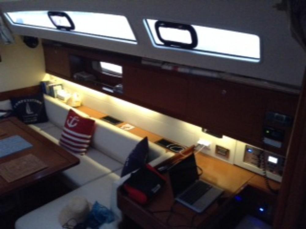 Bénéteau Oceanis entre particuliers et professionnel à Suntex Marina at Hollywood