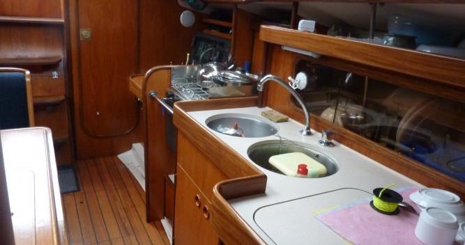Location bateau Bénéteau Oceanis 320 à Mortagne-sur-Gironde sur Samboat