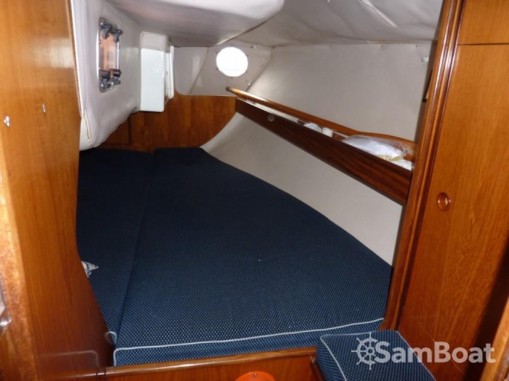 Location yacht à Royan - Bénéteau Oceanis 320 sur SamBoat