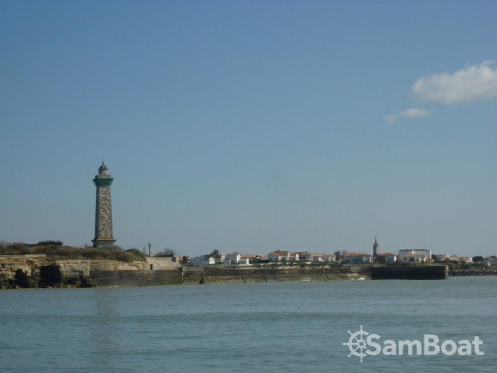 Boat rental Mortagne-sur-Gironde cheap Oceanis 320