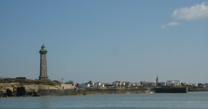 Location bateau Mortagne-sur-Gironde pas cher Oceanis 320