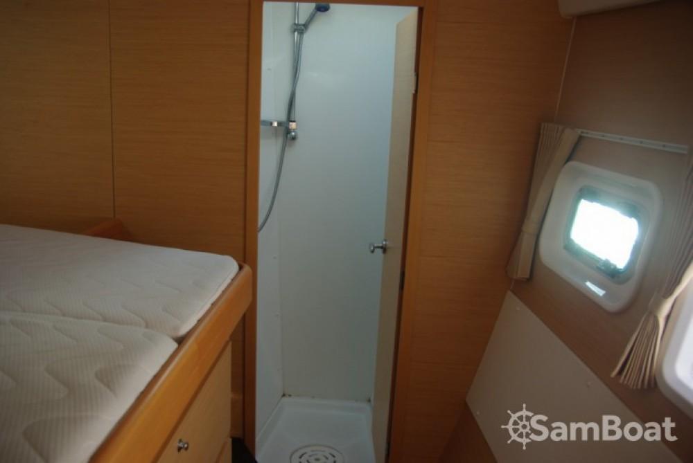 Catamaran à louer à Antibes au meilleur prix