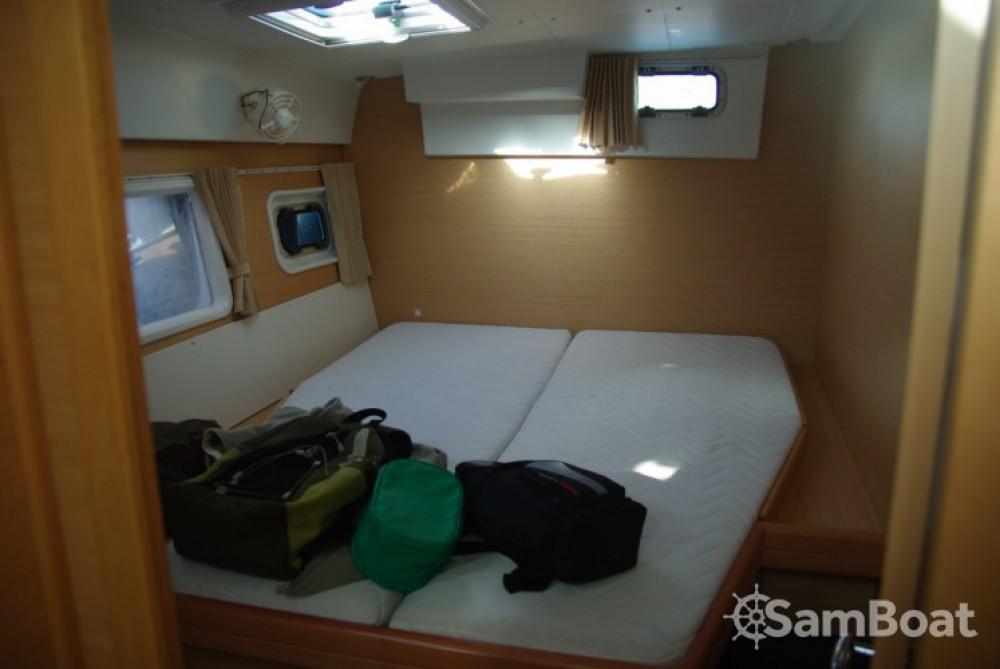 Location bateau Lagoon Lagoon 420 à Antibes sur Samboat
