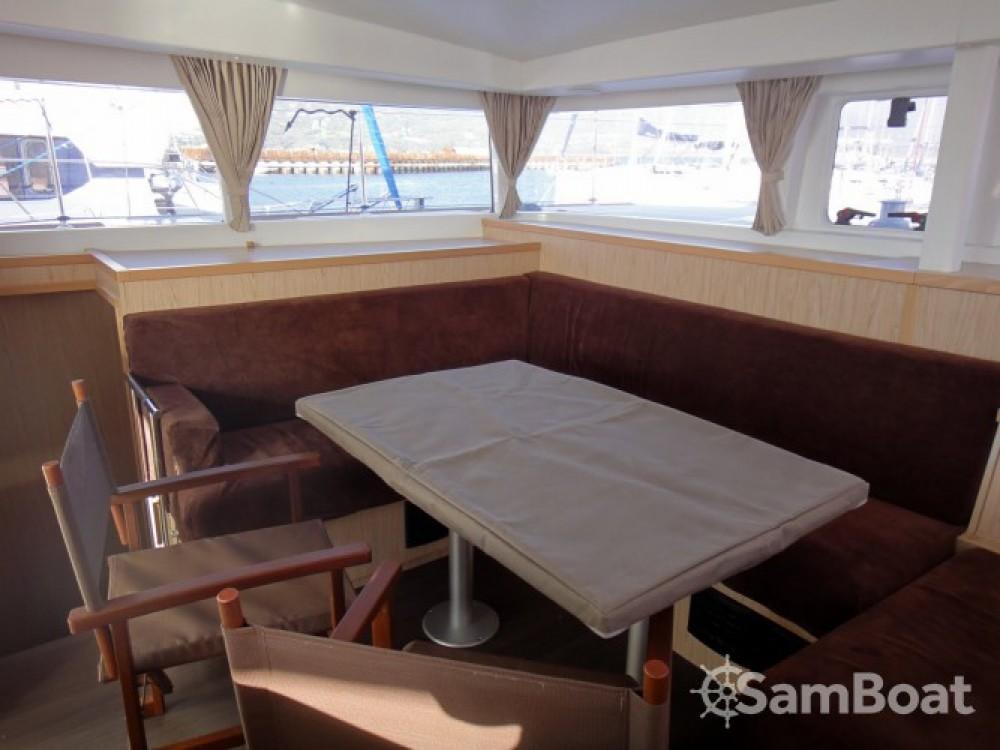 Location bateau Propriano pas cher Lagoon 400 S2