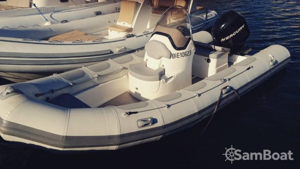 Valiant Valiant 570 Vanguard te huur van particulier of professional in Saint-Florent