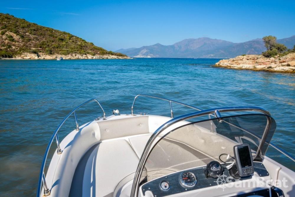 Louer Bateau à moteur avec ou sans skipper Salmeri à Saint-Florent