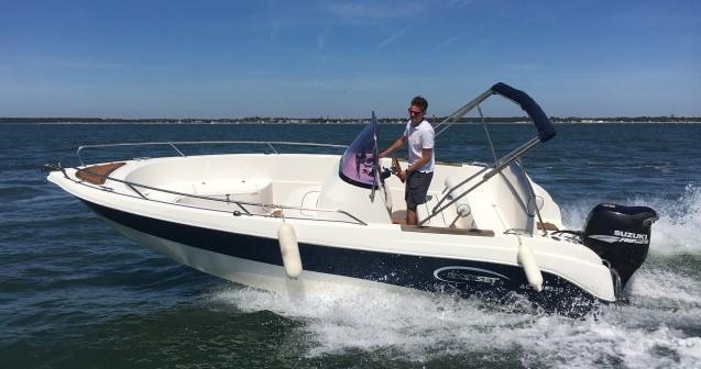 Rental Motor boat in Andernos-les-Bains - Everset Open 605