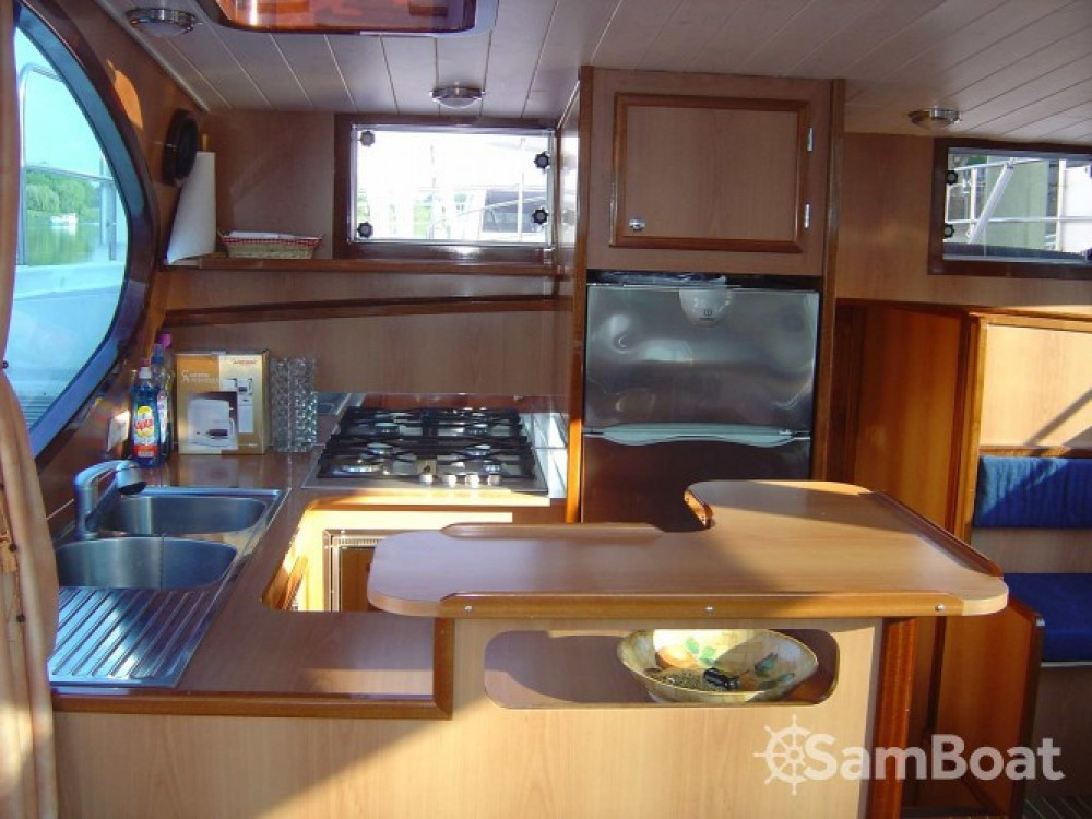 Hire Houseboat with or without skipper America Port-d'Envaux