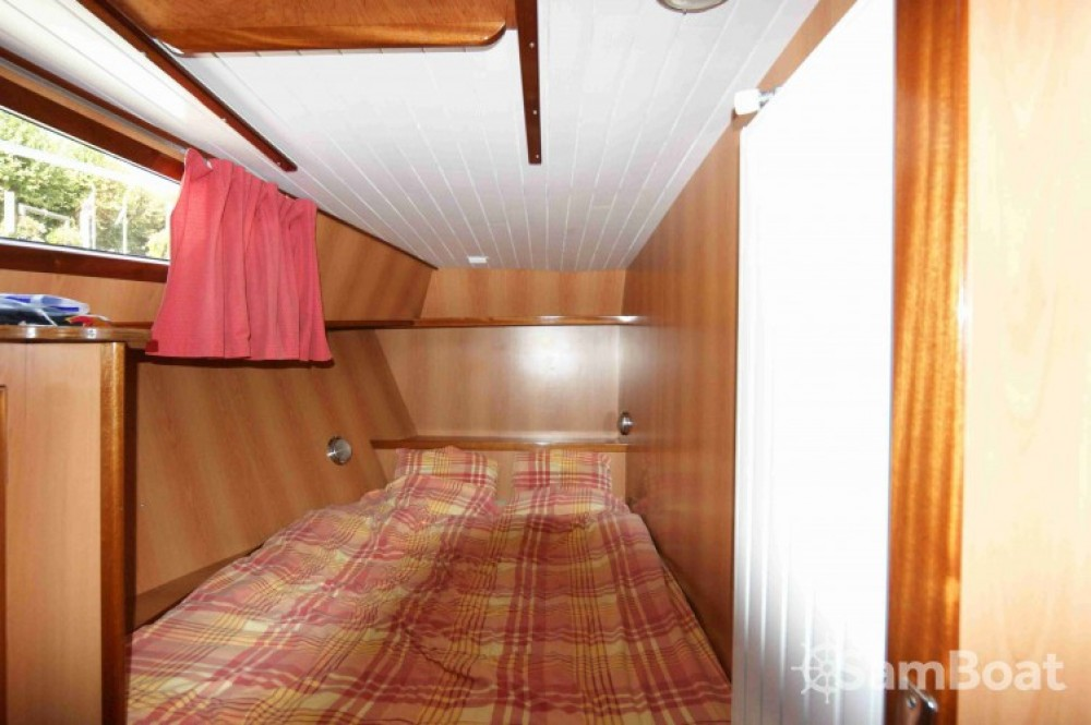Houseboat for rent Port-d'Envaux at the best price