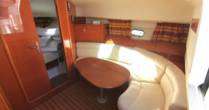 Motor boat for rent Hyères at the best price