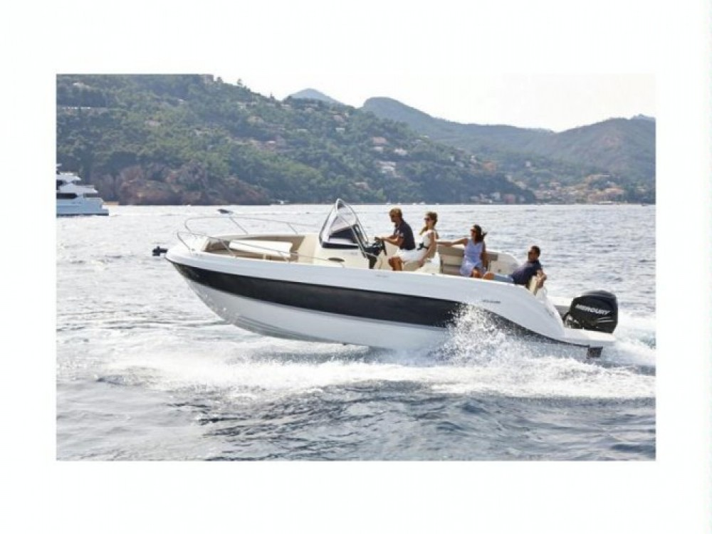 Location bateau Le Grau-du-Roi pas cher Quicksilver 805 Open